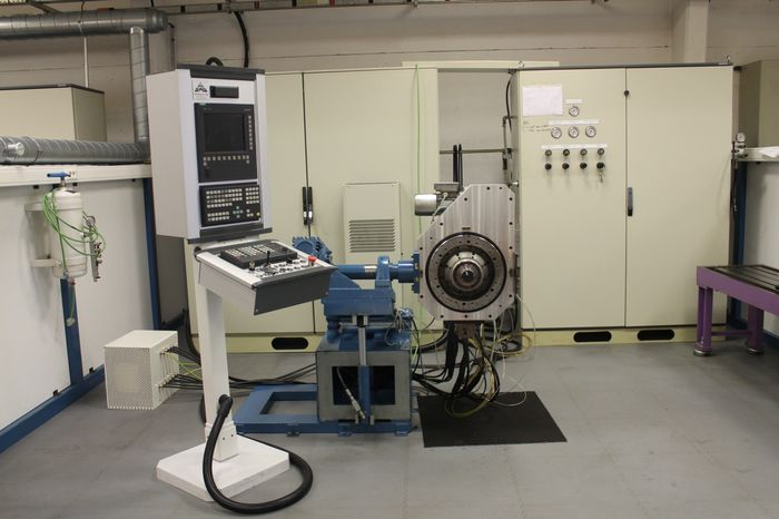 Electrobroche-Concept - Banc Essai 5 axes cn Siemens 840d